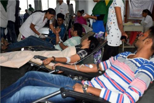 blood donation camp at JGCC by NSS